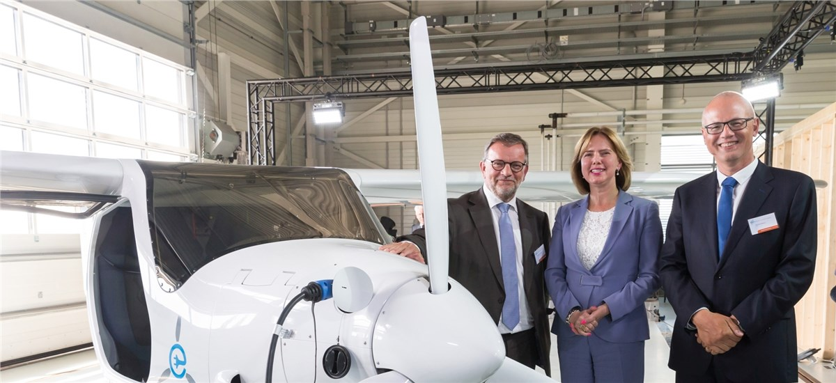 Netherlands Aerospace Center Leaders posing with its new Pipistrel Alpha Electro